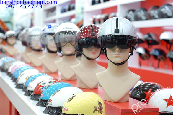 mua mũ bảo hiểm quảng cáo