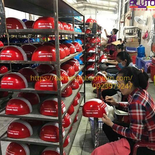 xưởng sản xuất mũ bảo hiểm Pluto