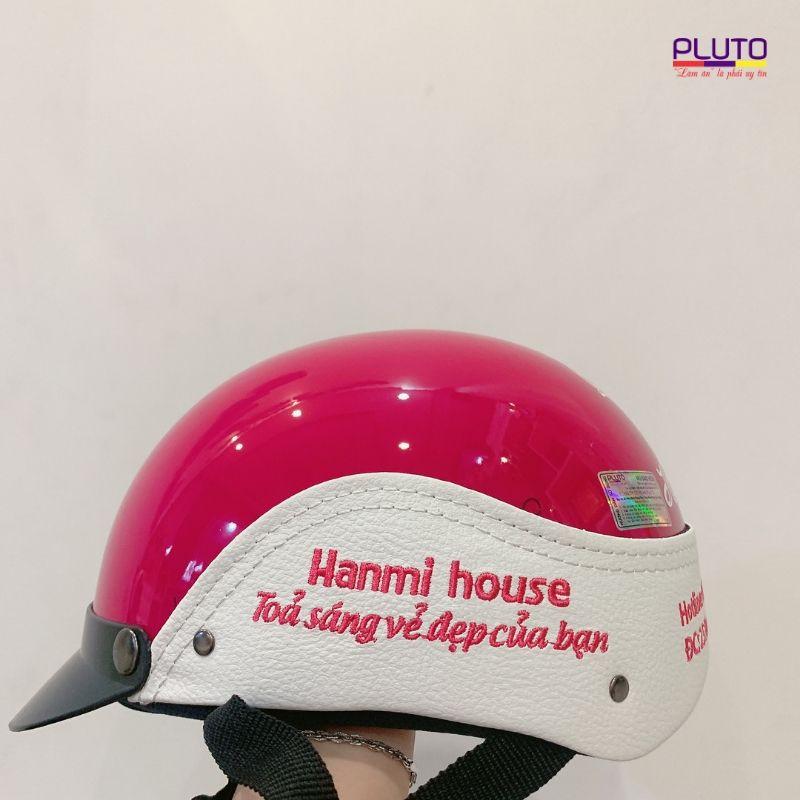 Làm mũ bảo hiểm in logo theo yêu cầu